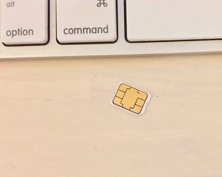 iphoneSIMカード